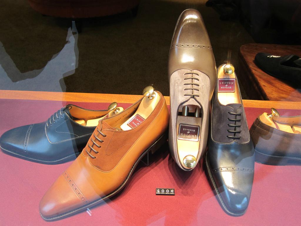 コラム『私と世界の靴vol.16~パリの靴事情』_b0365069_17043060.jpg