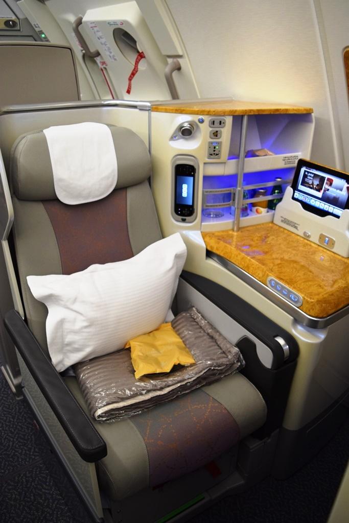 ドバイ発 エミレーツ航空で心に残るバースデイフライトを体験_b0053082_0384269.jpg