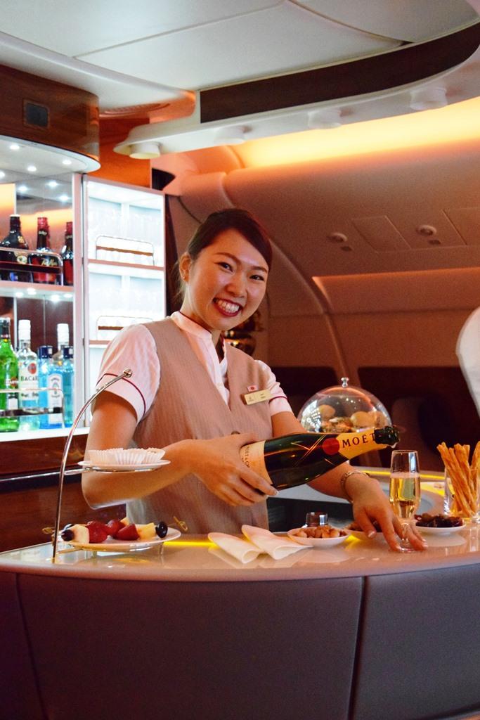ドバイ発 エミレーツ航空で心に残るバースデイフライトを体験_b0053082_0561674.jpg