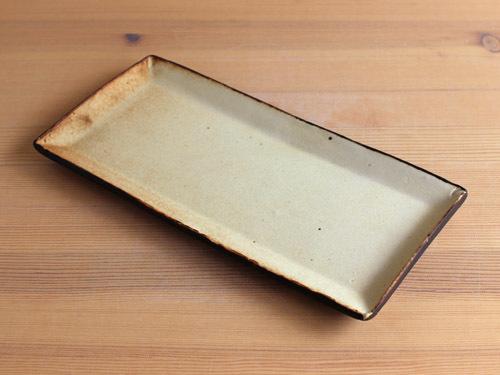 伊藤叔潔さんの細長いうつわ、箱形のうつわ。_a0026127_15380570.jpg