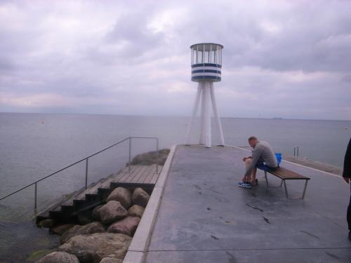 ガススタンドも海辺のシャワーもヤコブセン_d0087595_22034303.jpg