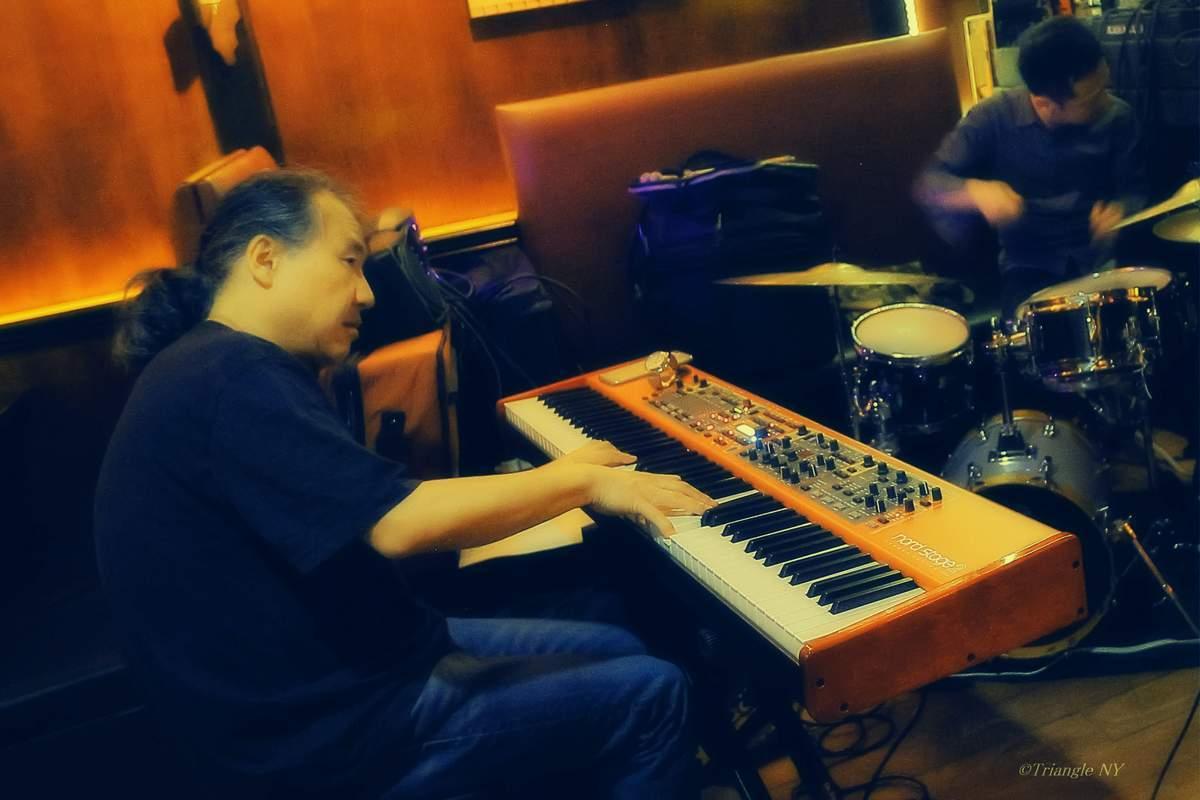 Takeshi Asai Trio @  B♭TriBeCa 6/24/17_a0274805_22391898.jpg