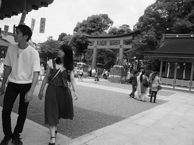 老若男女 参道にて  その3_e0374932_16022652.jpg