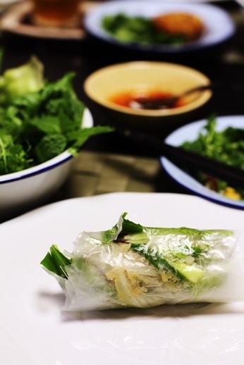 Xin Chao  レモングラス風味、ベトナムしゃぶしゃぶの会_d0353281_03320045.jpg