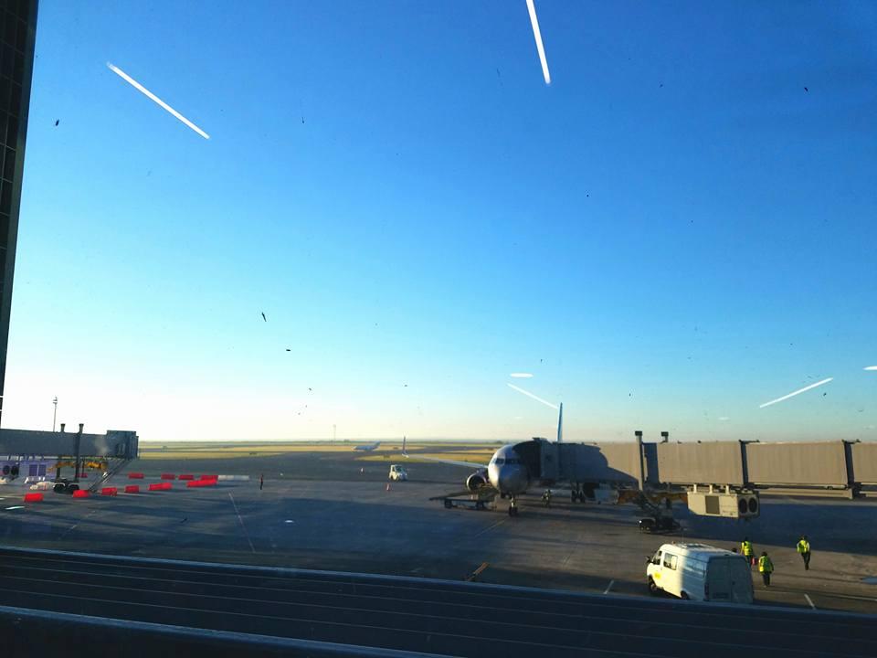 主催国、カザフスタン新極真会の皆様の大歓迎を受け、日本地区理事全員がアスタナ空港に無事到着。_c0186691_13164083.jpg