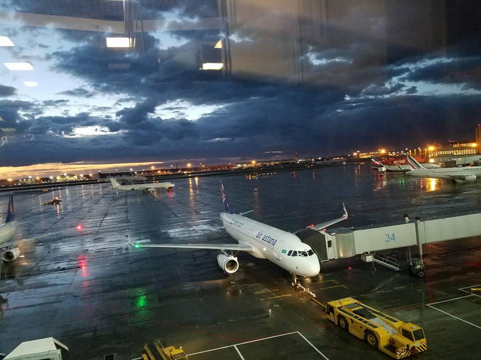 主催国、カザフスタン新極真会の皆様の大歓迎を受け、日本地区理事全員がアスタナ空港に無事到着。_c0186691_1316736.jpg