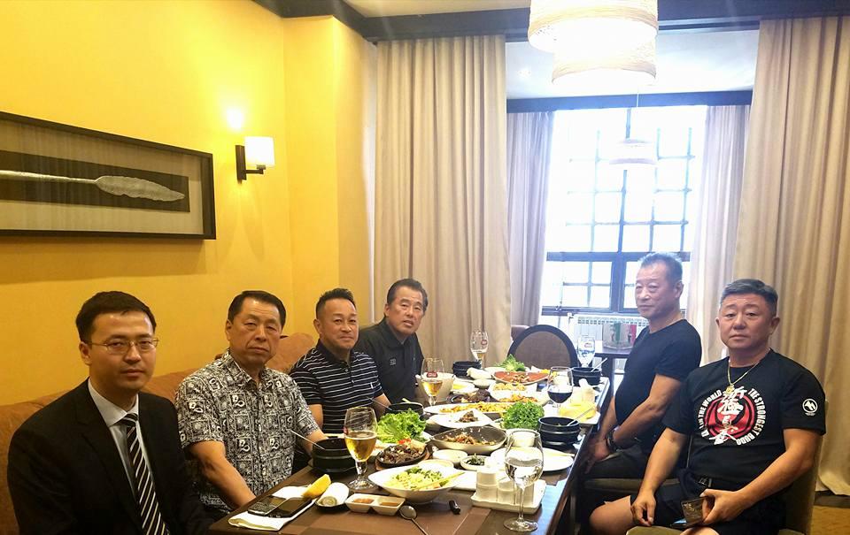 主催国、カザフスタン新極真会の皆様の大歓迎を受け、日本地区理事全員がアスタナ空港に無事到着。_c0186691_13192952.jpg