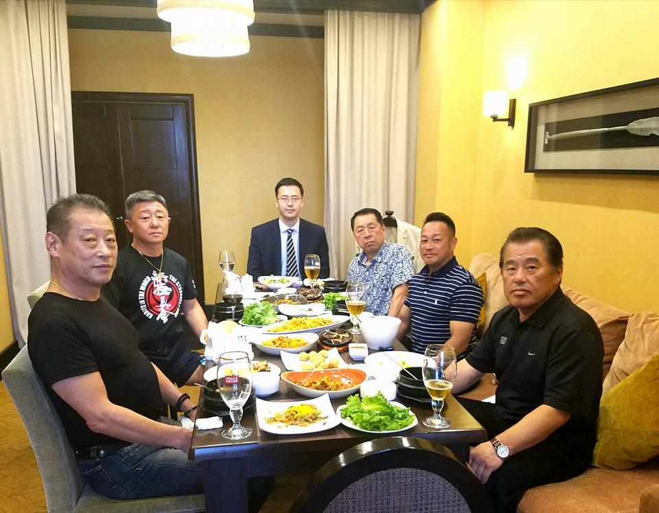 主催国、カザフスタン新極真会の皆様の大歓迎を受け、日本地区理事全員がアスタナ空港に無事到着。_c0186691_1319760.jpg