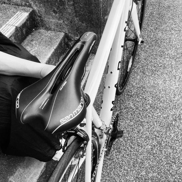 2017 MARIN ARGENTA SE-F LIMITED マリン 限定カラー アルジェンタ おしゃれ自転車 自転車女子 自転車ガール クロスバイク ロードバイク_b0212032_19163657.jpg