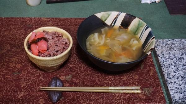 夕飯は味噌汁_e0166355_18561674.jpg