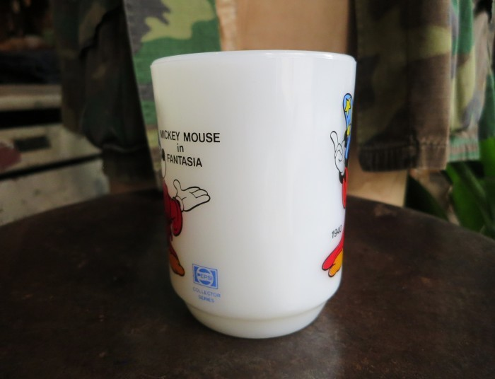 Fire King Disney Mug Mickey Mouse in Fantasia_e0187362_11362045.jpg