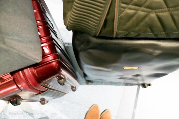 一味違うスーツケースをお探しの方必見!:『CRASH BAGGAGE(クラッシュバゲージ)』_d0114093_435549.jpg