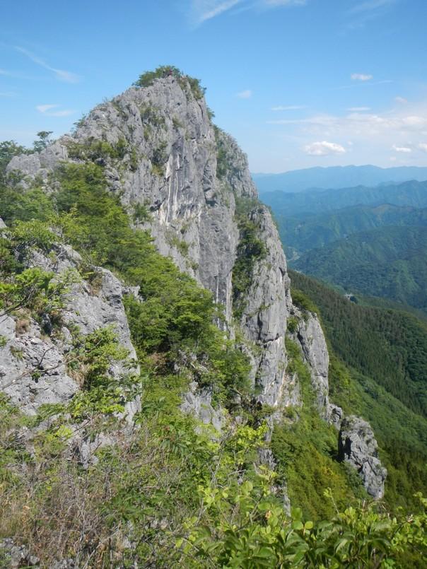 二子山西岳中央稜へ_b0133032_18532264.jpg