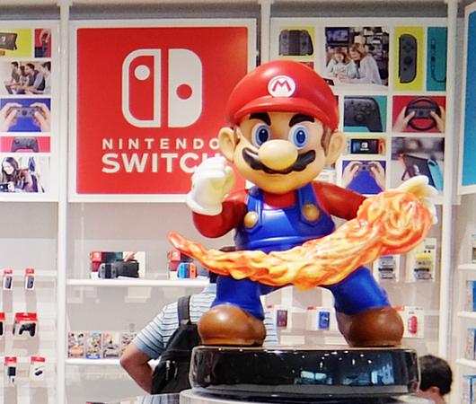 ただ今、絶好調の任天堂のニューヨークの直営店「任天堂ワールド」Nintendo World_b0007805_20413810.jpg