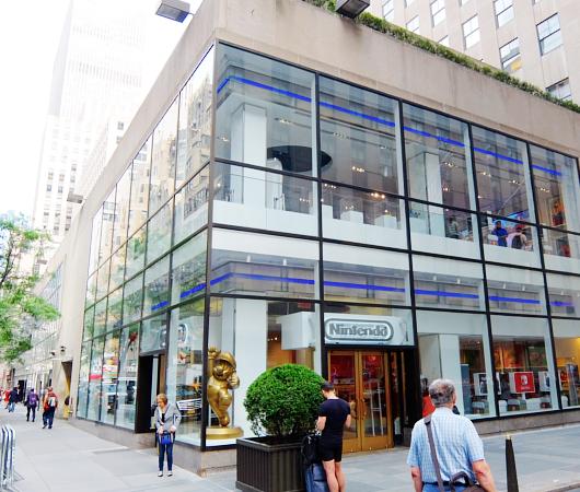ただ今、絶好調の任天堂のニューヨークの直営店「任天堂ワールド」Nintendo World_b0007805_20424612.jpg