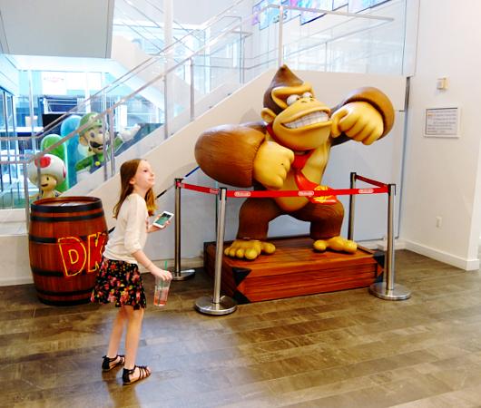 ただ今、絶好調の任天堂のニューヨークの直営店「任天堂ワールド」Nintendo World_b0007805_20501283.jpg