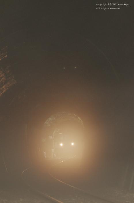 蒸したトンネル_d0309612_22473959.jpg