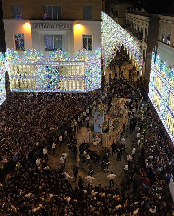マテーラの聖ブルーナ祭り_b0305039_2385559.jpg