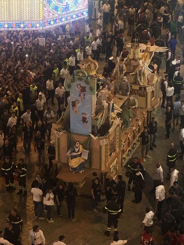 マテーラの聖ブルーナ祭り_b0305039_2392961.jpg