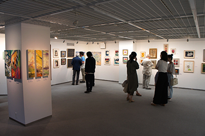 「現代アーティスト クレパス画展」開催中です。_f0171840_11152455.jpg