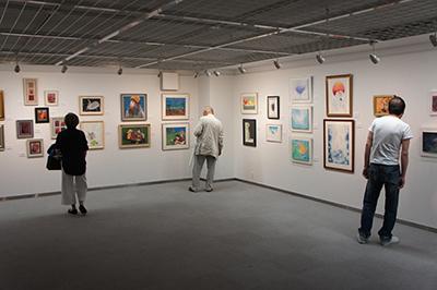 「現代アーティスト クレパス画展」開催中です。_f0171840_11402779.jpg