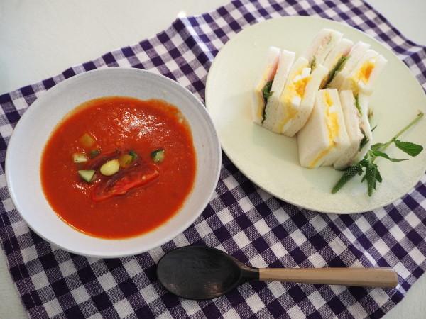 トマトのスープ_b0132442_15393191.jpg