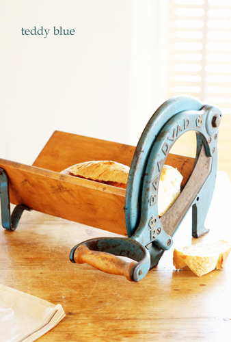 antique bread slicer アンティーク ブレッドスライサー_e0253364_18325445.jpg