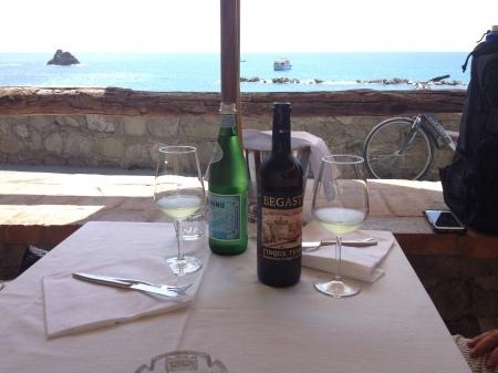 海が見えるモンテロッソの美味しいレストラン_a0136671_01402914.jpg