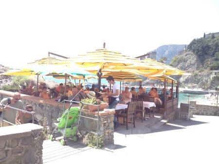 海が見えるモンテロッソの美味しいレストラン_a0136671_01412257.jpg