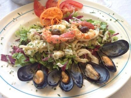 海が見えるモンテロッソの美味しいレストラン_a0136671_01460138.jpg