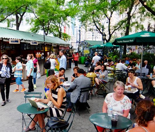 野外に屋台を集めた「食」のお祭り『ブロードウェイ・バイト』(Broadway Bite)_b0007805_1454384.jpg