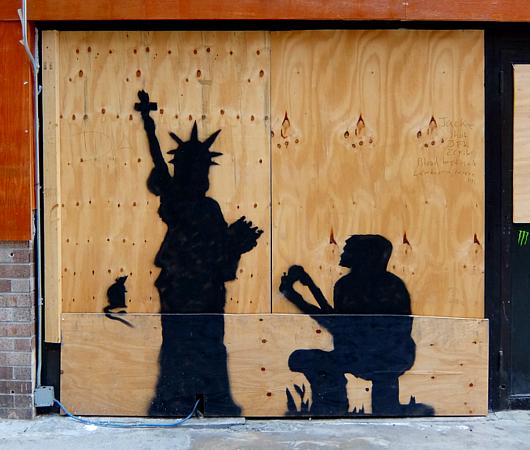 いかにもニューヨークっぽい落書き_b0007805_2350110.jpg