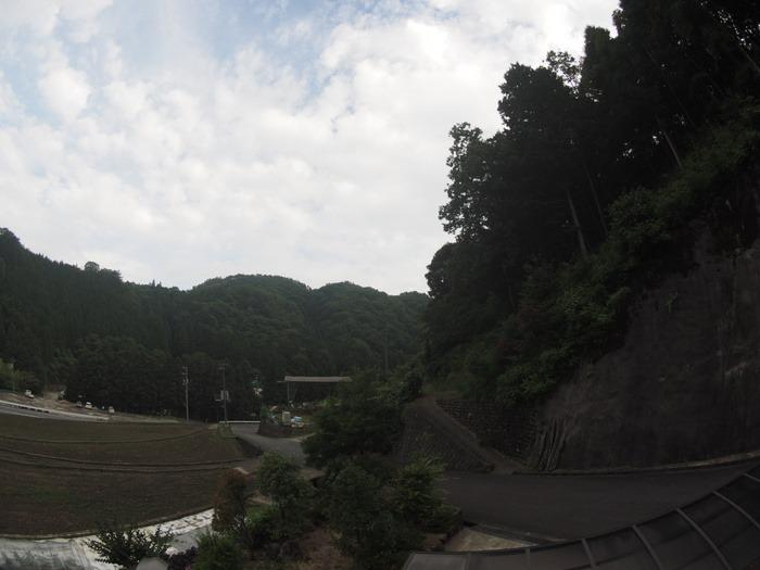 晴れ時々曇り_c0116915_0303093.jpg