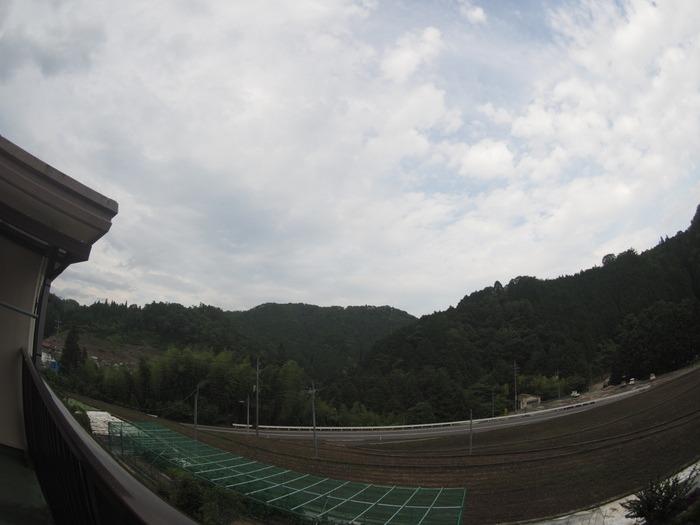晴れ時々曇り_c0116915_0304524.jpg