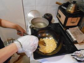 のび丸、右手を骨折。それでも料理するのだ。_a0095931_12434606.jpg
