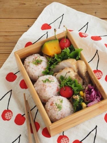 煮豚弁当とらんらんさくらんぼ_c0270834_08035512.jpg