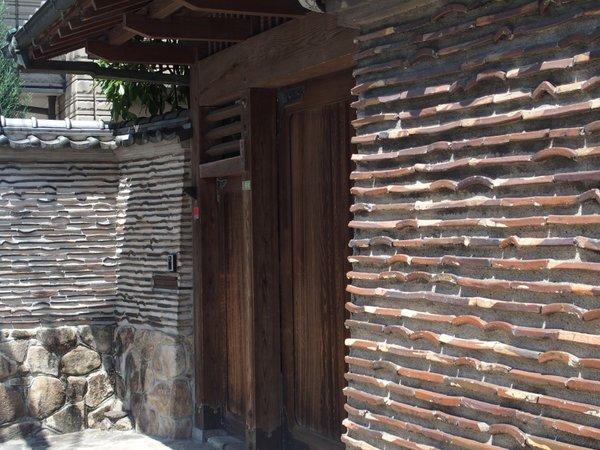 築地塀@上幟町_b0190540_0735.jpg