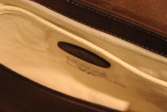 "VASCO \""LEATHER POSTMAN MINI SHOULDER BAG\"" ご紹介_f0191324_08391034.jpg"