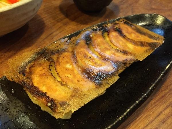 神戸の餃子屋「大鳳」_a0103940_10565104.jpg