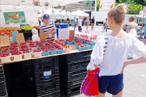 ニューヨークの青空市場で一足お先に夏を体感_b0007805_0453686.jpg