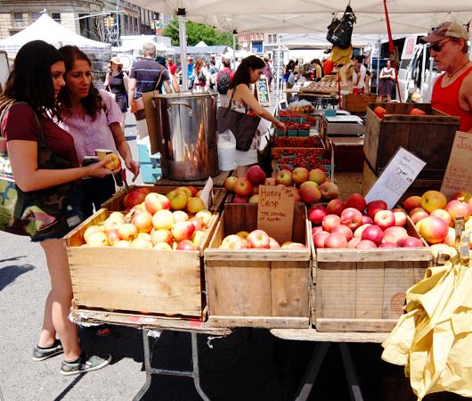 ニューヨークの青空市場で一足お先に夏を体感_b0007805_14797.jpg