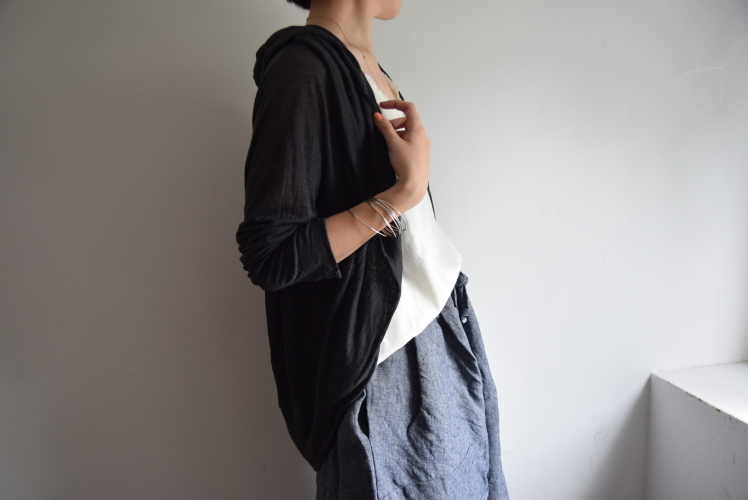 夏の羽織り、、、それは毎年の課題なんです。。。_b0110582_14160209.jpg