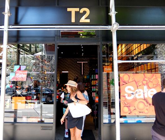 NYのSOHOにあるアート作品っぽいお茶屋さん、T2_b0007805_2244918.jpg