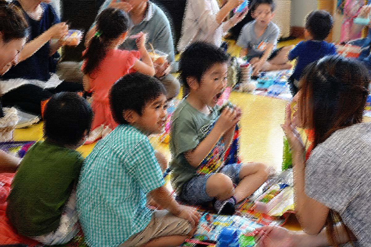 今日は、七夕参観日です。上宮第二幼稚園にて。_d0353789_16262020.jpg