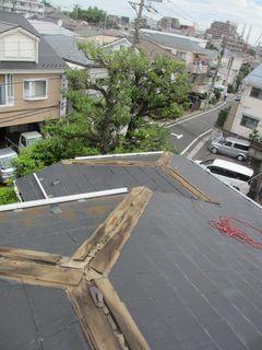 練馬区の北町で、屋根修理工事_c0223192_00492839.jpg