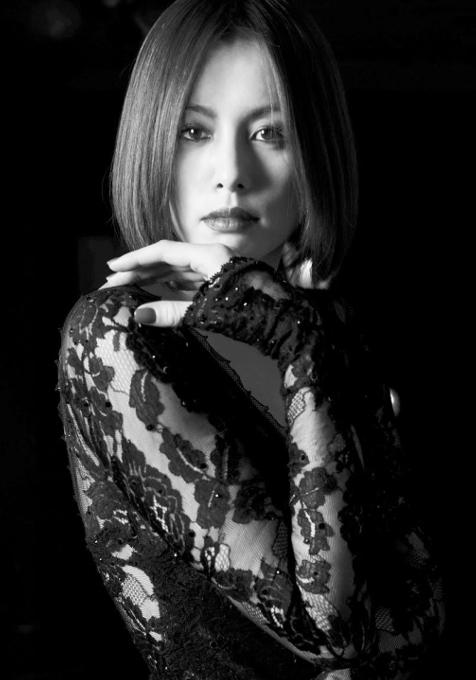 米倉涼子さん、ブロードウェイ・ミュージカル「シカゴ」に5年ぶりカムバック!!!_b0007805_21431853.jpg