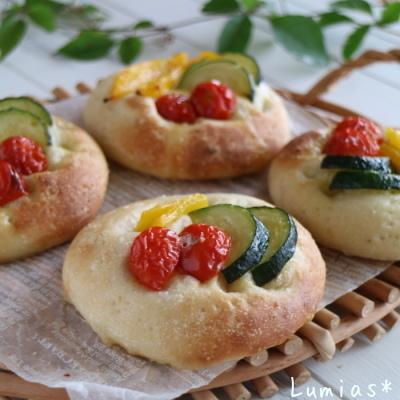 夏野菜のフォカッチャ_b0235923_22113854.jpg