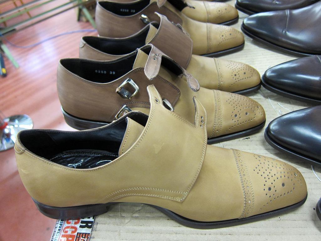 コラム『私と世界の靴vol.17~革染めの技術』_b0365069_18290474.jpg