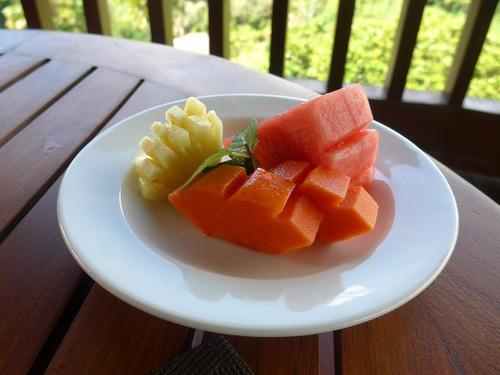 バリ島へ行く③ 〜テラスでの食事が超絶楽しい〜_f0232060_0144585.jpg
