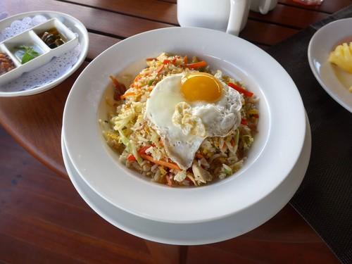 バリ島へ行く③ 〜テラスでの食事が超絶楽しい〜_f0232060_0145113.jpg